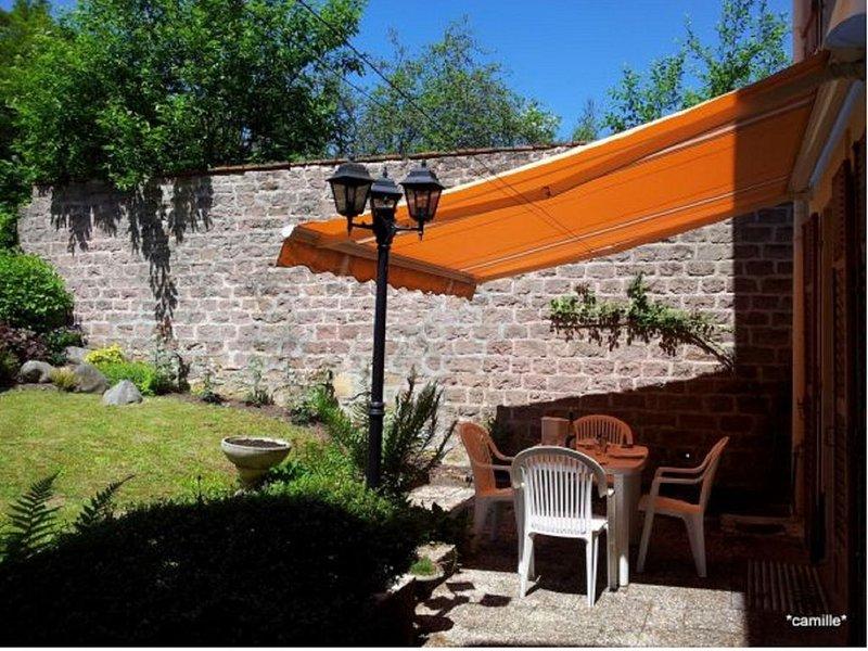 LA HALTE des PRINCES - Belle maison particulière avec jardin clos, holiday rental in Epinal