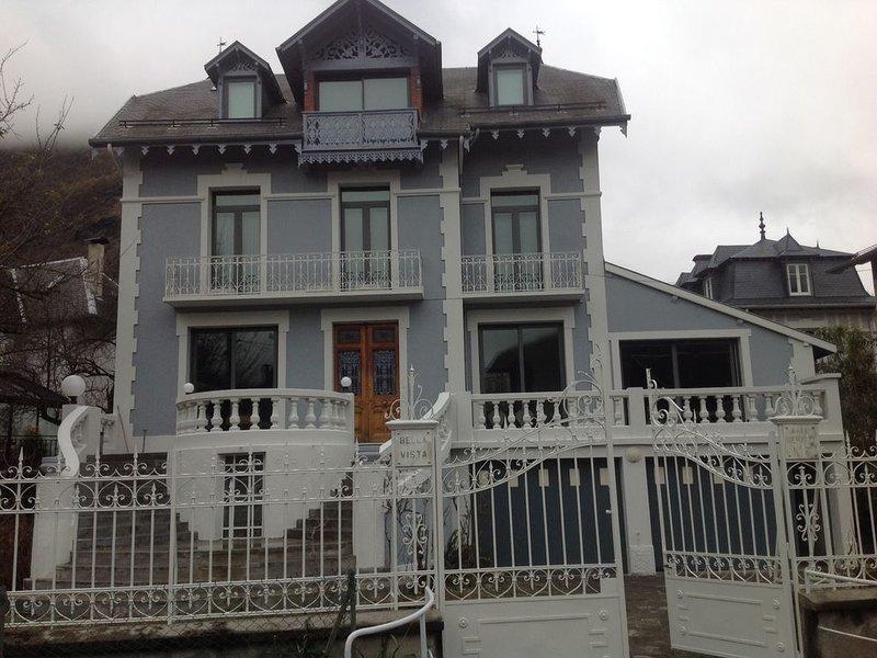 Maison   familiale de  charme centre  ville, vacation rental in Les