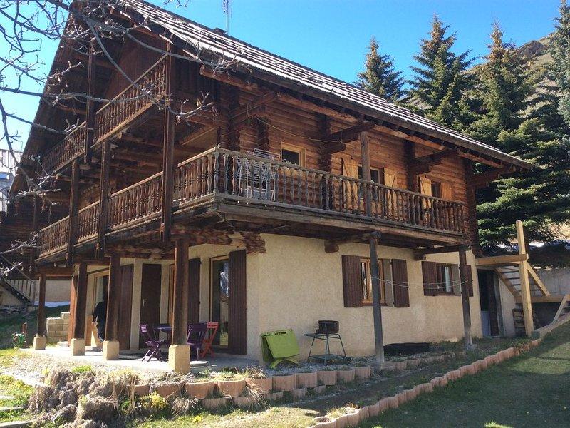 Appart 3 ch  6 Pers confortable 3* dans le chalet des Laget, location de vacances à Molines-en-Queyras