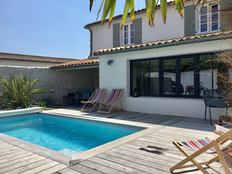 Le Bois Plage -La Cachette en Ré- Agréable maison rétaise, piscine chauffée, holiday rental in Le Bois-Plage-en-Re