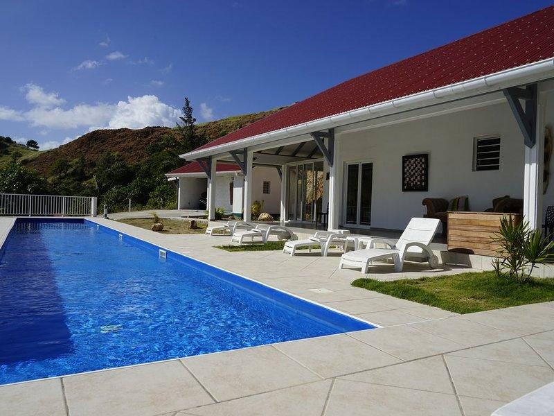 Vivez l'exception ! Villa de prestige  pleine vue mer  avec piscine et jacuzzi, holiday rental in Trois Rivieres