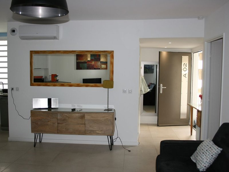 Appartement T2 avec piscine Hermitage à 150 m du lagon., location de vacances à La Saline les Bains