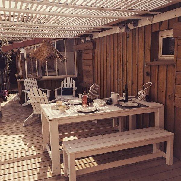 A 200 m de L'océan ,vous attends une petite maison blanche pleine de charme, location de vacances à Landes
