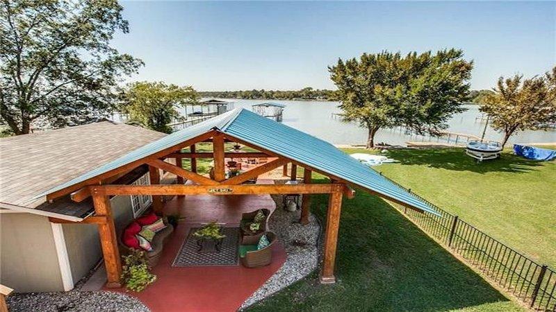 Awesome, family-friendly lake house., location de vacances à Springtown