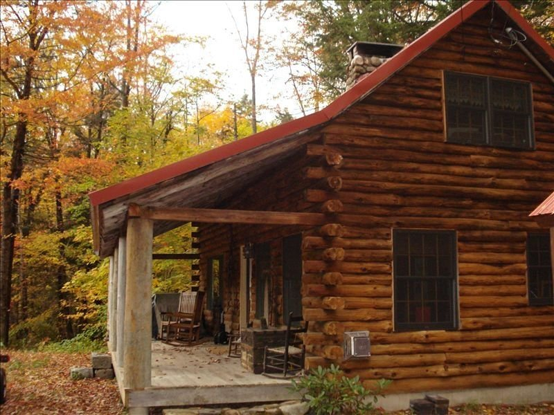 Romantic Log Cabin in Jackson NH – semesterbostad i Hart's Location