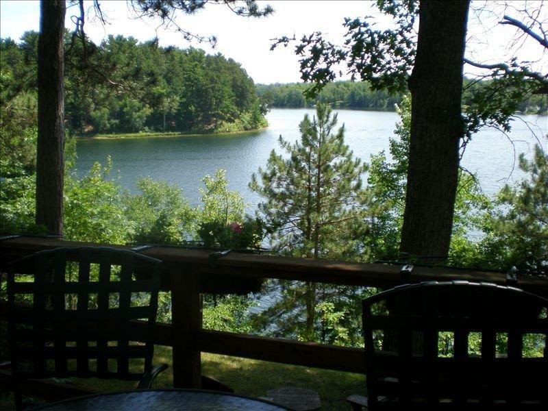 Charming Lake Home on Ox Lake Plus Dock on Whitefish Chain, aluguéis de temporada em Crosslake
