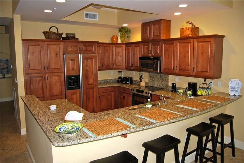 BOOK FALL DATES- Relax in Comfort-Beautiful Condo Close to Pool, Beach, Dining, holiday rental in Seacrest Beach