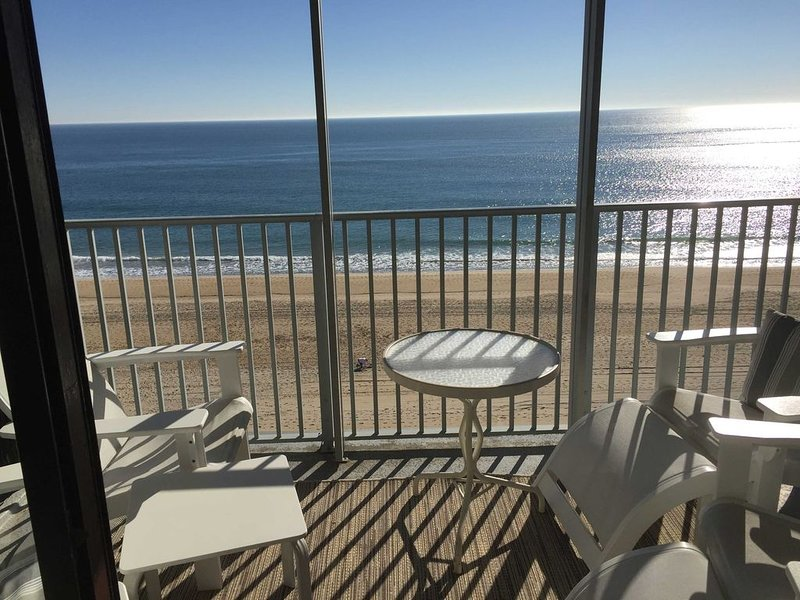 Oceanfront-Corner Unit, Fantastic Views, Comforts of Home, Two Reserved Parking!, holiday rental in Ocean City