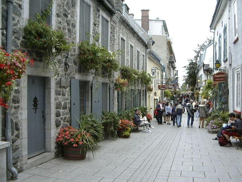 Quaint, charming little house in a phenomenal location in Old Quebec City!, location de vacances à Québec (ville)