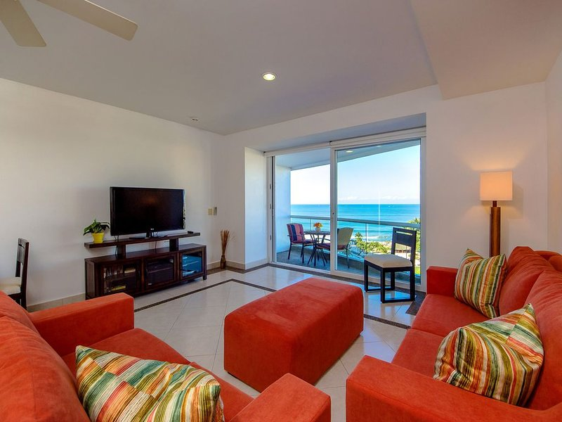 Ocean Front One Bedroom Condo at Villa Magna 7th Floor Bldg 3, vacation rental in Nuevo Vallarta