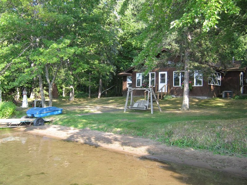 Relive the Summers of Your Youth on Beautiful Deer Lake Wi, location de vacances à Wyoming
