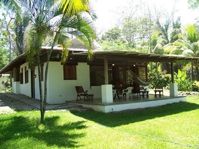 Beachfront Private 3 bedroom House in Santa Teresa, holiday rental in Mal Pais
