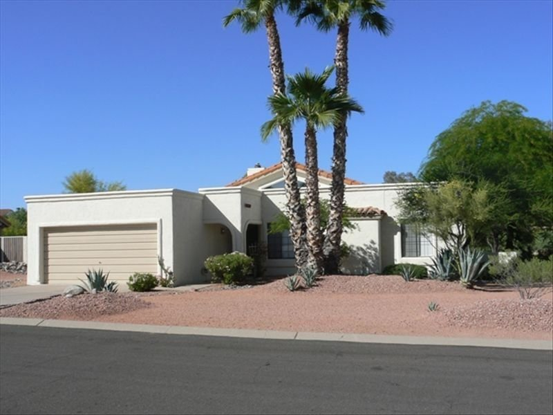 Beautiful One Story Fountain Hills House, alquiler de vacaciones en Fountain Hills