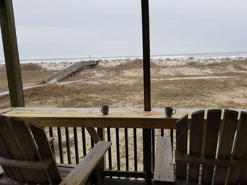 OCEANFRONT! 'Blue View' 2 Night Minimum! No Crowds! Rodanthe. Rate Specials!, location de vacances à Rodanthe