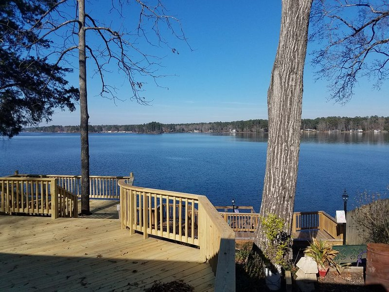 AWESOME view on lakefront property w/decks and dock on Lake Jordan, holiday rental in Elmore