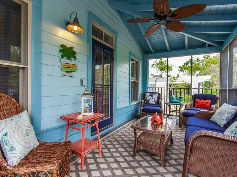 2nd house closest to Beach!!!  4 bikes ~ 4 beach chairs ~ Heated Pool, casa vacanza a Alys Beach