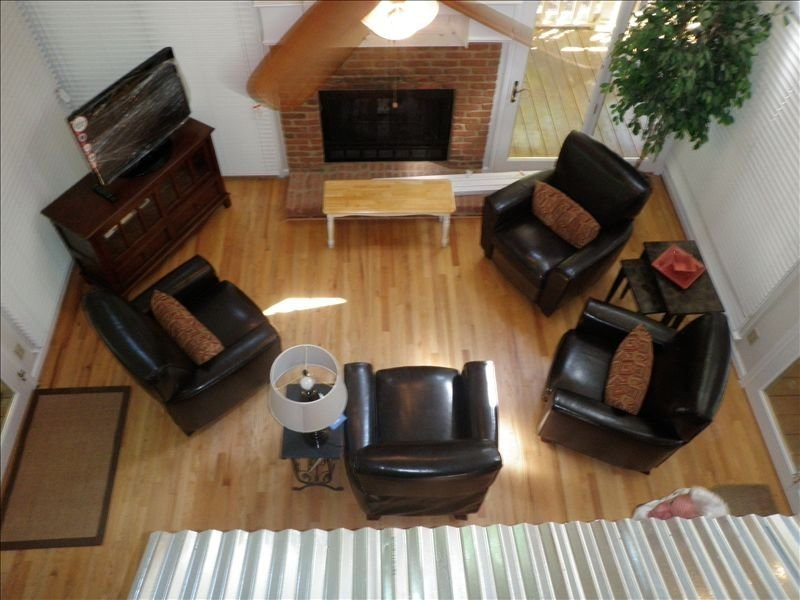 Upgraded 2 BR, Cottage with Loft!, casa vacanza a Greensboro