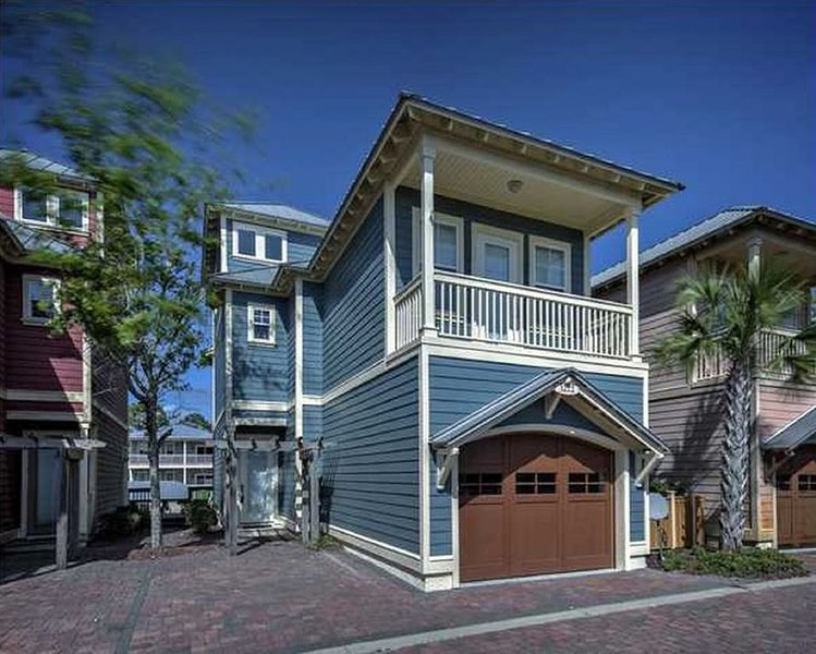 4 BR Cottage * WATERSIDE VILLAGE, vacation rental in Mexico Beach