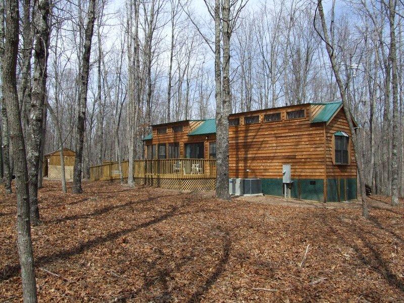 Large deck on Twin Oaks cabin.