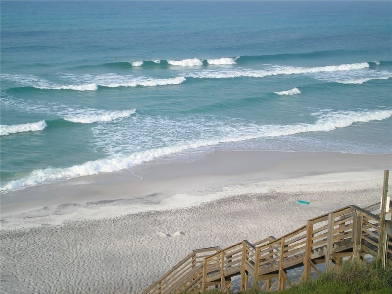 Gorgeous Gulf Front Townhouse - 2 Balconies Overlook Gulf - Great for Families, casa vacanza a Alys Beach