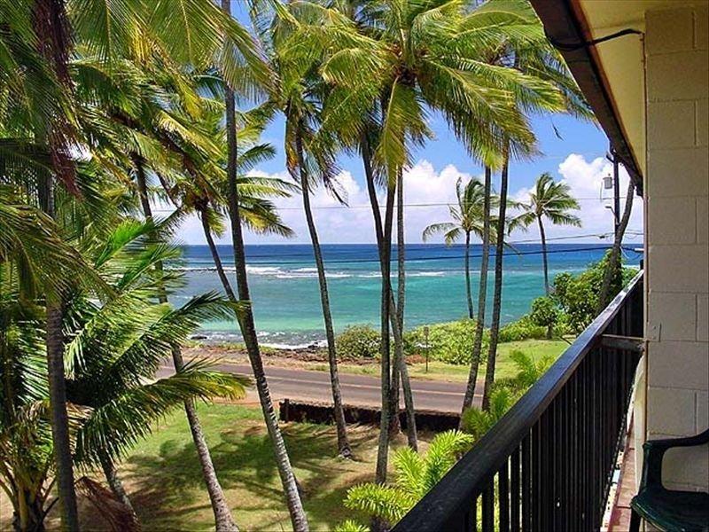 Poipu, Ocean View, Pool, Walk to the beach and Relax!, location de vacances à Kekaha