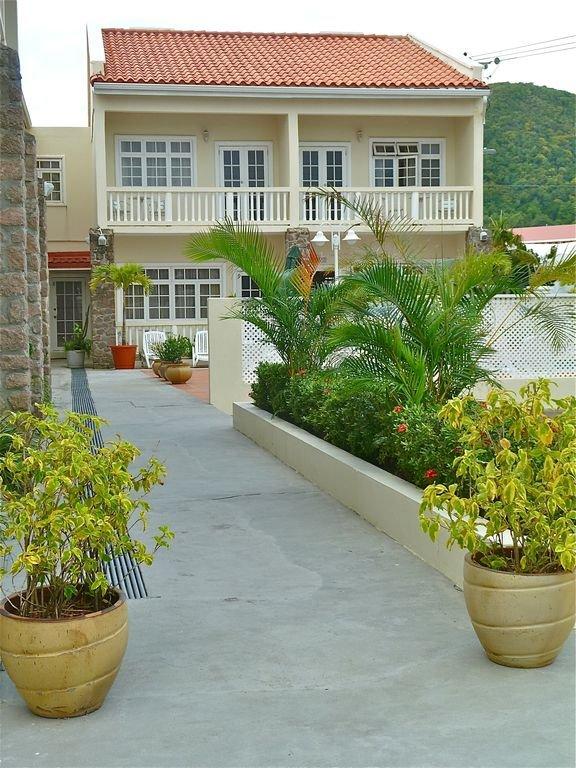 Garden path to your villa.