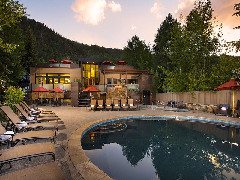 The Gant lower pool & conference center