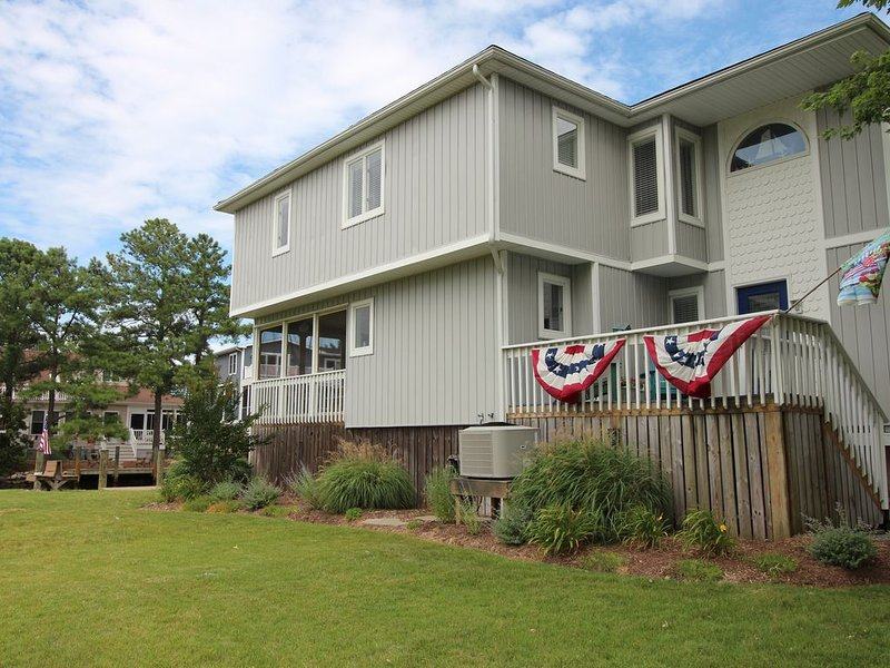 Canal Waterfront - 4 Blocks to Boardwalk, vacation rental in Bethany Beach