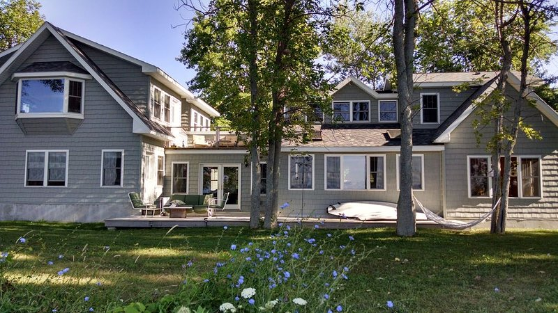 Waterfront Home on Lake Ontario, holiday rental in Sackets Harbor