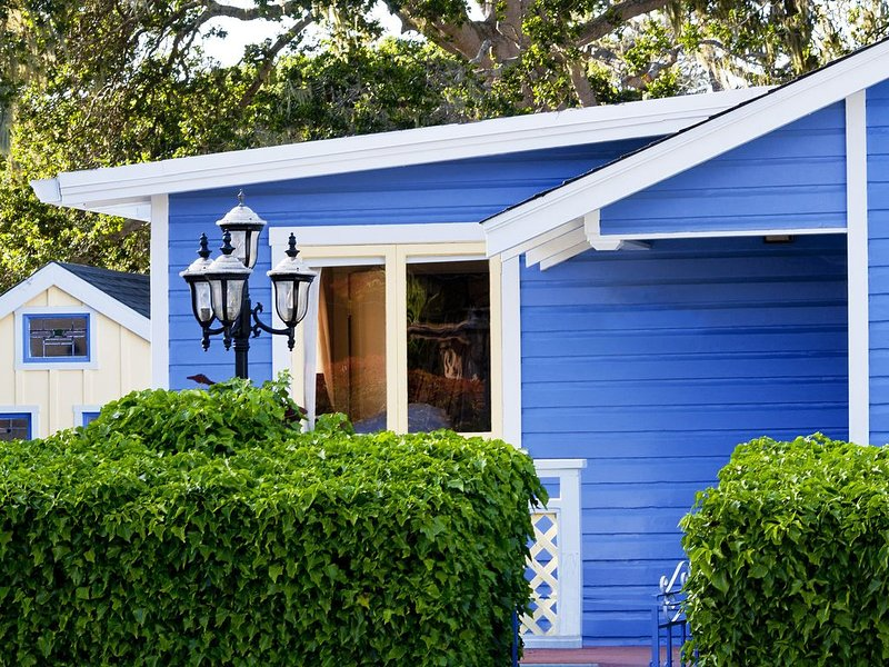 Traditional Cottage on the Hill, vacation rental in Monterey