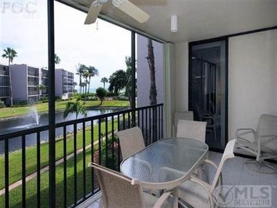 Newly Renovated, 2 + BR+ DEN/2 Bath Condo/Gulf View, R202 GREAT REVIEWS/Sundial, vacation rental in Sanibel Island
