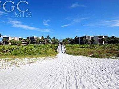 Weißer Sand von Sanibel Island und Strandbereich von der Wohnung aus