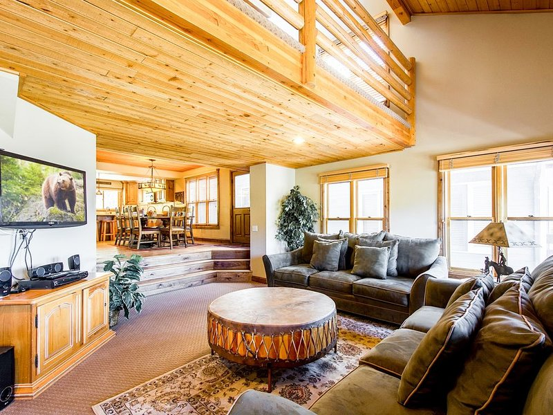 Mountainside Park City Ski Home with Private Hot Tub, Downtown, Garage, vacation rental in Park City