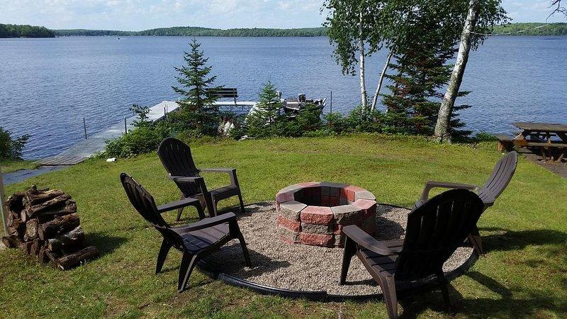 Loon Landing at Nelson Lake 15998 W Four Seasons Rd. Hayward, WI 54843, casa vacanza a Hayward