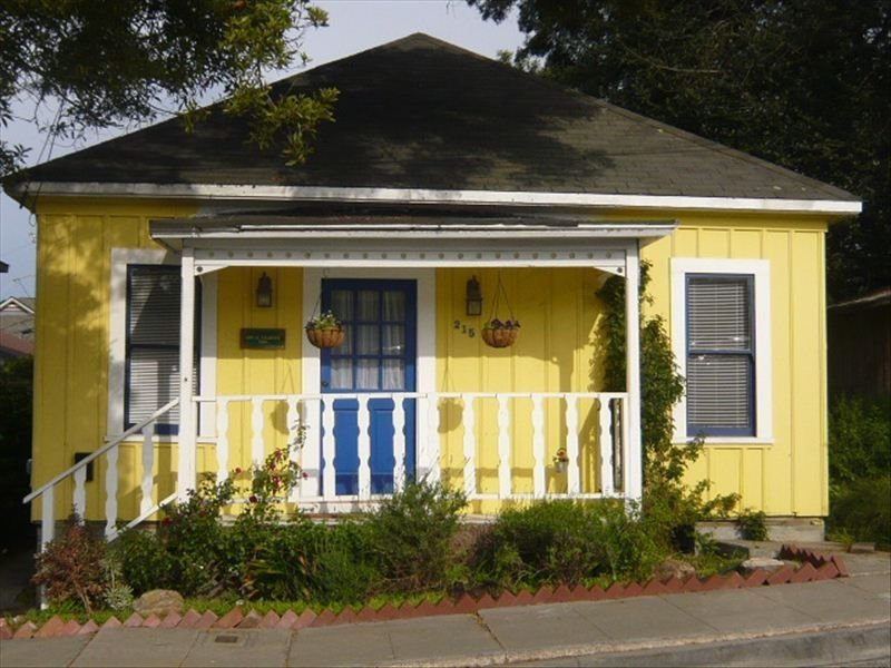 Private Cottage in Pacific Grove, vacation rental in Marina