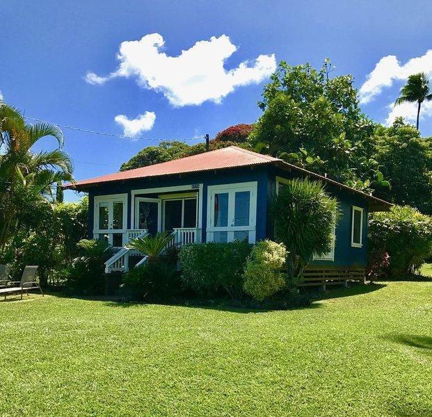 Ocean Views! Elegant 1900's Plantation House Near Hamoa Beach, holiday rental in Hana