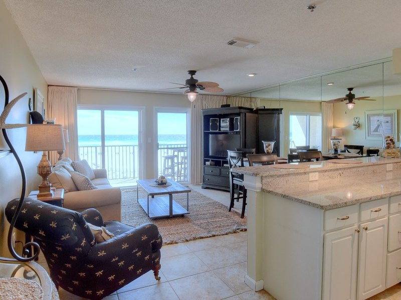GULF FRONT***Beach Service & Wi-Fi Included***DISCOUNT 7 or more nights, vacation rental in Miramar Beach
