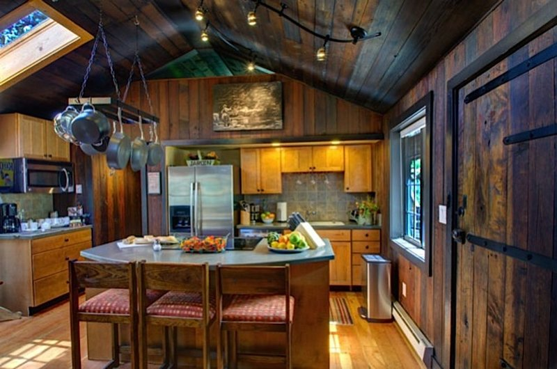 15 Acre Private Luxury Estate, Close to Everything,  Enjoy 'Aspen Cabins' Views', vacation rental in Estes Park