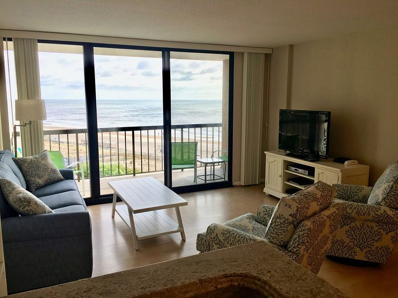 Oceanfront 3 BR Condo - Sea Colony, vacation rental in Bethany Beach