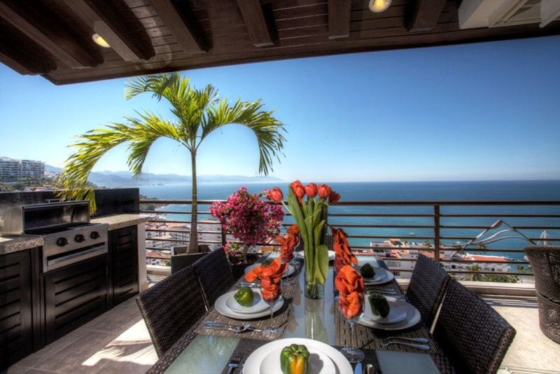 Signature Pinnacle Penthouse on ~ H G T V  HOUSE HUNTERS INTERNATIONAL ~, alquiler de vacaciones en Puerto Vallarta