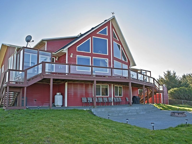 The Miramar House -- Big Red Beach House in Ocean City – semesterbostad i Ocean Shores