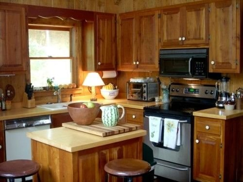 Robinson Lake Front Lodge on Lake Jocassee, location de vacances à Salem
