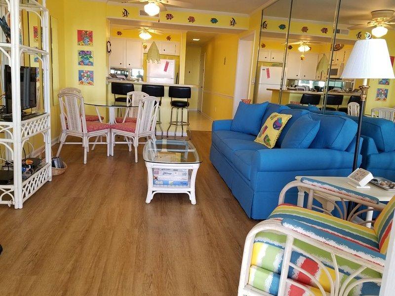Atlantic Beach Ocean Front Condo Beautifully Decorated, holiday rental in Atlantic Beach
