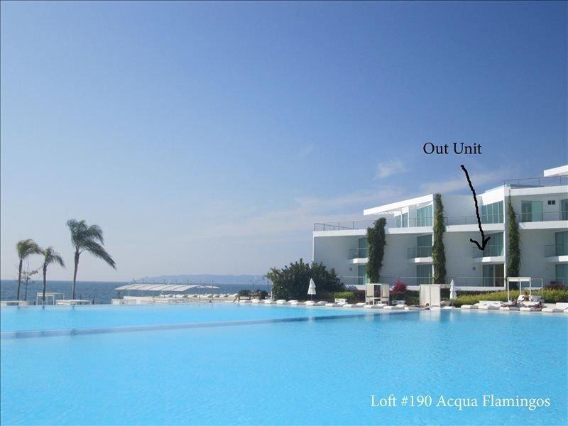 Gorgeous Loft Right on the Beach! (Possibility of Construction Noise), aluguéis de temporada em Nuevo Vallarta