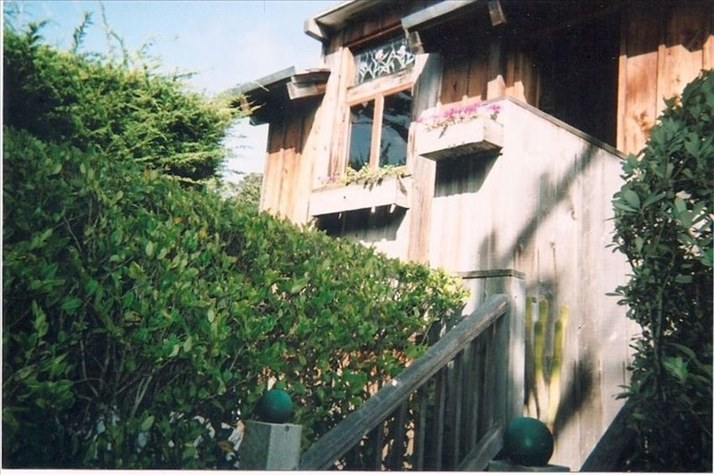 Charming Carmel Home, 2 Blocks to Carmel Beach, Walk to Town, aluguéis de temporada em Carmel