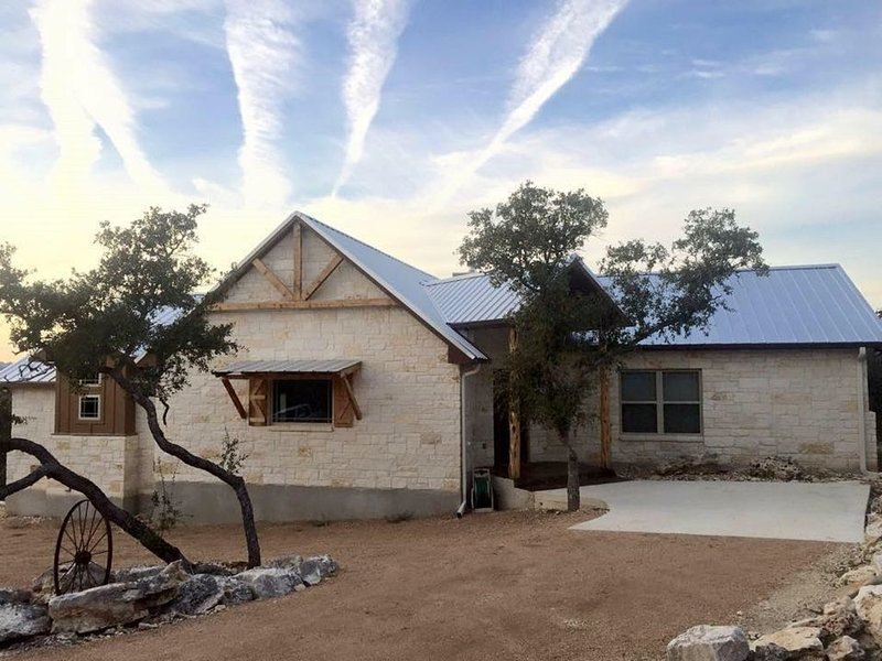 Hill Country Haven, Near Guadalupe River, New Braunfels, Canyon Lake, Gruene., holiday rental in New Braunfels