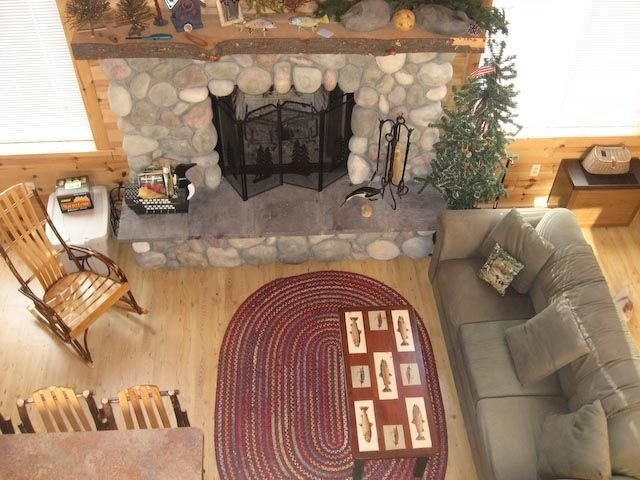 Cozy Cabin on the Blue Ribbon Upper Manistee River - Frederic, Mi, holiday rental in Crawford County