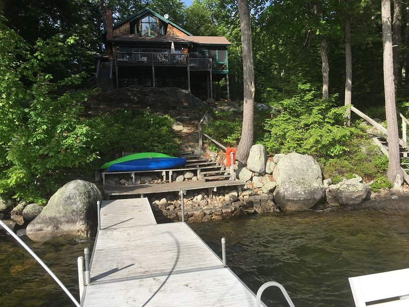 Gorgeous lakefront home on Sebago Lake!, vacation rental in Raymond