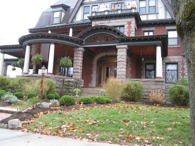 Victorian Mansion Executive Condo, vacation rental in Ballston Spa