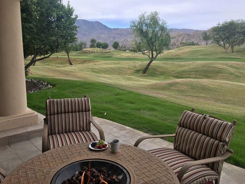 PGA West ~ Desert Breeze 3054 sq ft of Comfort, alquiler vacacional en La Quinta
